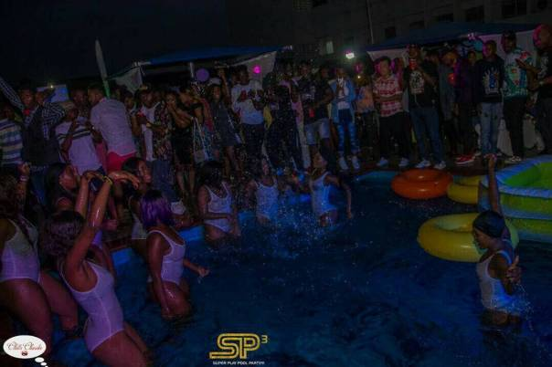 Marvis Nkpornwi Had A Pool Birthday Party (10)