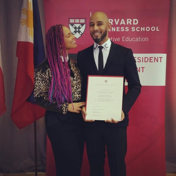 Alicia Keys Celebrates As Husband Swizz Beatz Graduates From Harvard Business School (3)