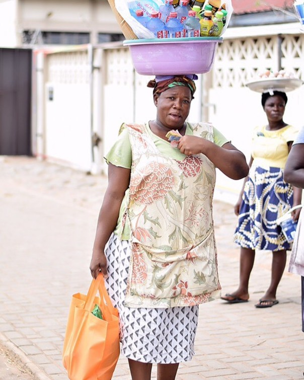 Fella Makafui Went Round The Streets Of Accra Giving Out Gifts To Handicaps (7)