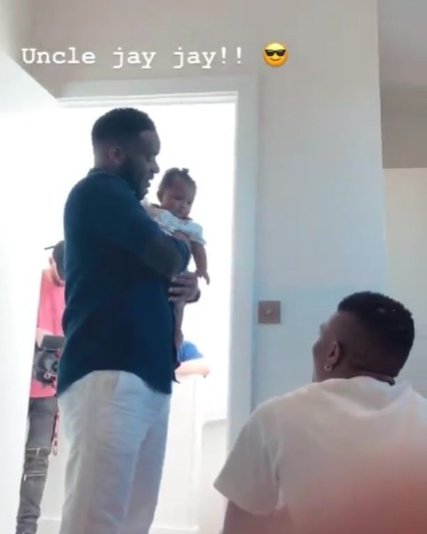 JJ Okocha Hangs Out With Wizkid And His Son Zion (2)