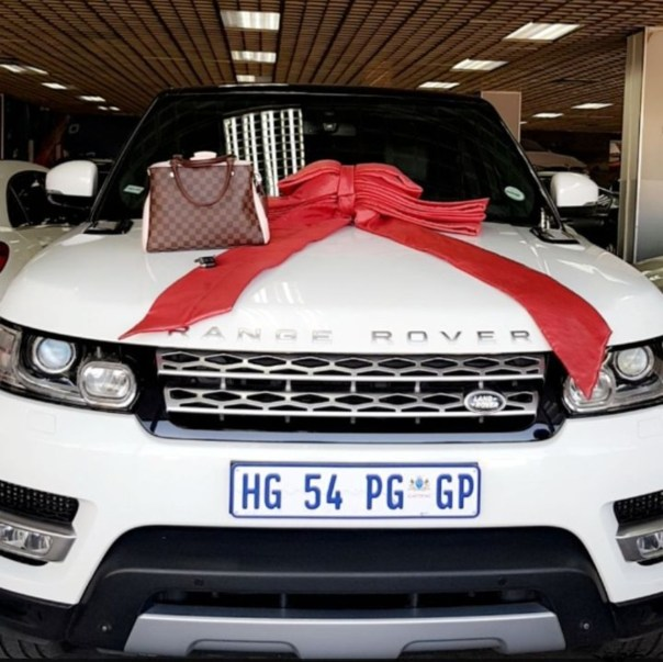 Zari Hassan Buys Range Rover Sport (3)