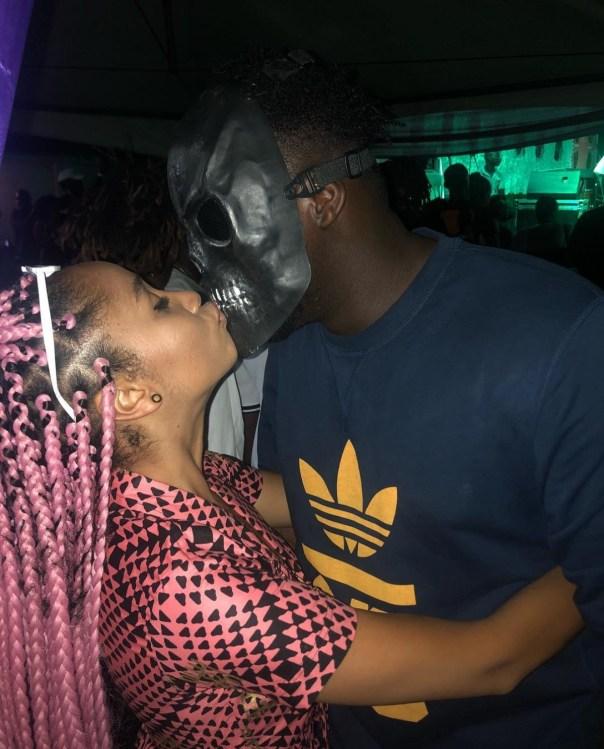 Sister Deborah Kissing Mask Wearing Medikal (3)