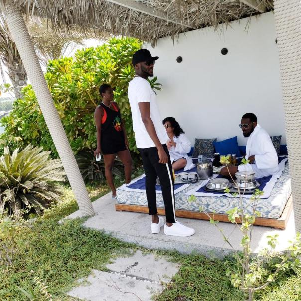 D'Banj And 2Baba Vacation With Wives In Dubai (4)