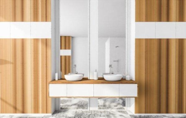 Cuarto de baño de madera blanca