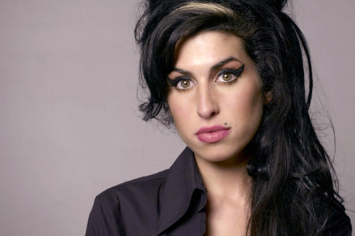 amy_winehouse_the_girl_behind_the_name (5)