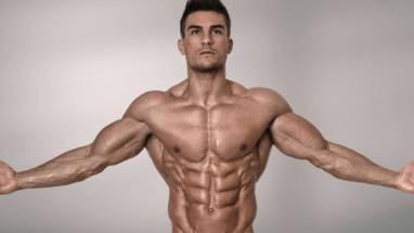 hombre musculoso con Oximetalona