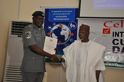 AT WCO: TINCAN ISLAND COMMAND GETS AWARD FOR EXCEPTIONAL SERVICE