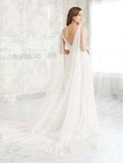 Adrianna-Papell-Amelias-Clitheroe-Wedding-Dresses-Lancashire-AP-40272-1