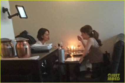 dakota-johnson-sushi-amelia-warner-vancouver-04