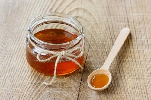 "Honey Remedy for Headaches ""width ="" 500 ""height ="" 331 "" data-recalc-dims="