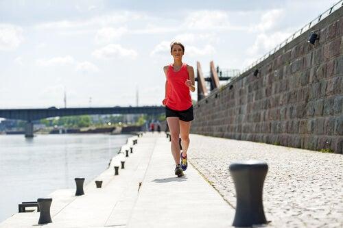 faire un peu d'exercice contre les douleurs menstruelles