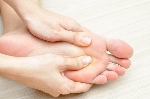"""Foot Problems and Diabetes """"width ="""" 500 """"height ="""" 332 """" data-recalc-dims="""