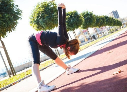 Stretches to relieve muscle contractures