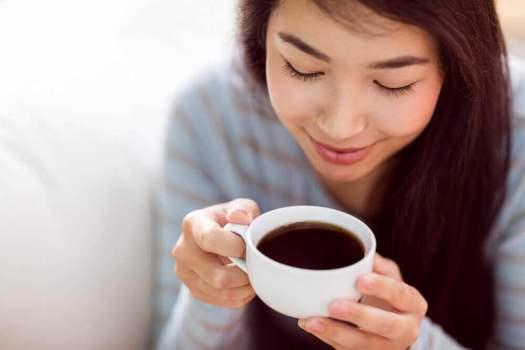 éviter la consommation de café en cas de douleur ovarienne