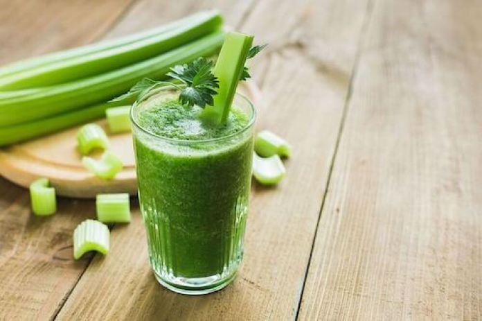 Le celeri aide à brûler les graisses