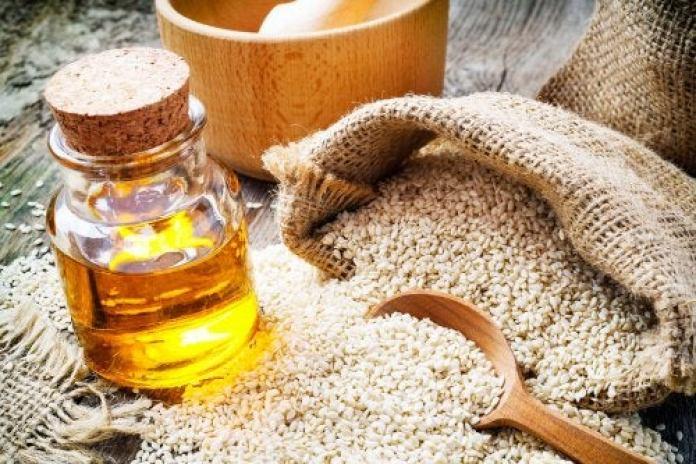 L'ail et l'huile de sésame pour soulager les acouphènes