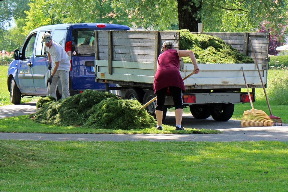 jardinier paysagiste camion benne