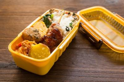 プラスチックのお弁当箱の写真