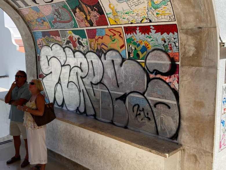 Não durou duas semanas o restauro do desenhador  mural