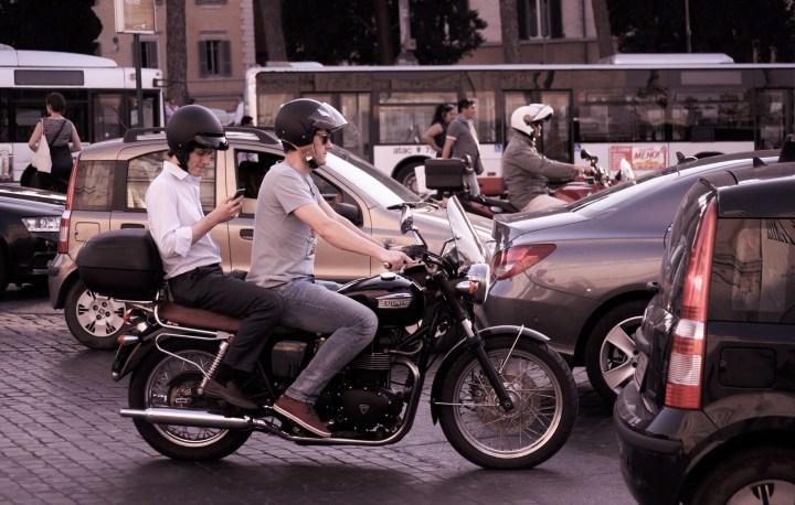 city-traffic-people-smartphone (1).jpg
