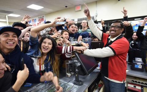 Thumbnail image for $1.6B Powerball jackpot goes to three winners in three states