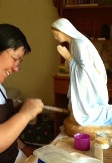 Toques finales a la Virgen...