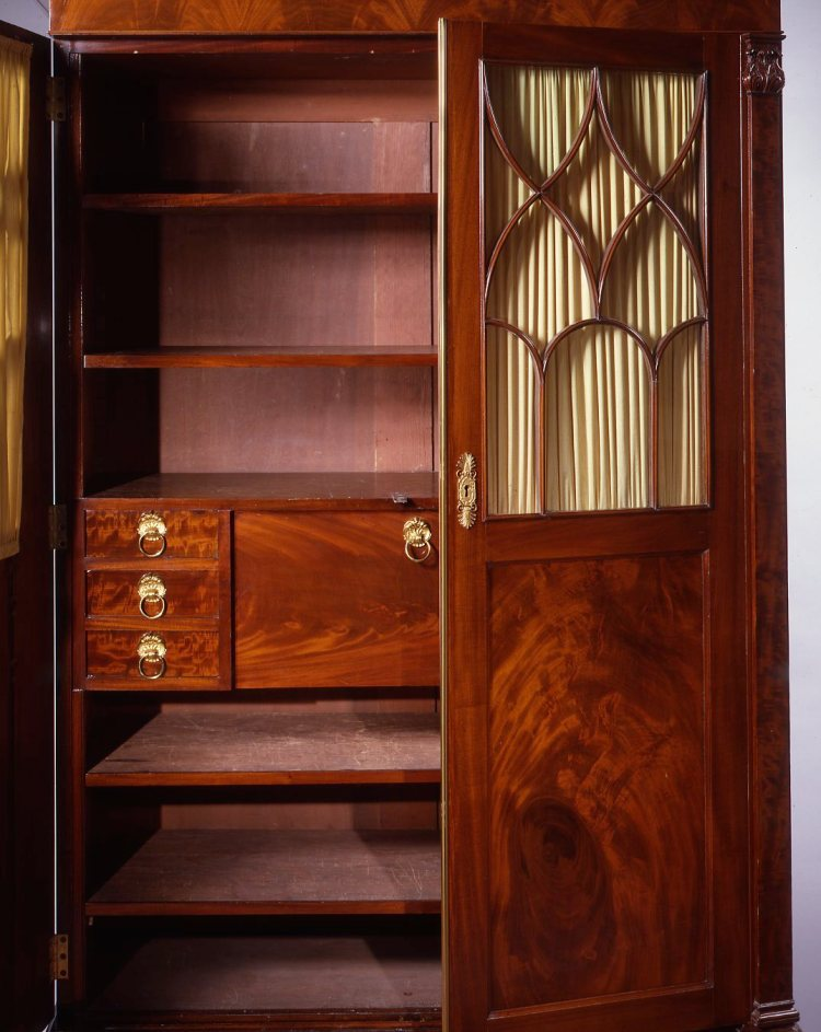 Cabinet Secretary Bookcase by Duncan Phyfe: Interior showing stacked short drawers flanking a fall front desk with two shelves above and two shelves below.