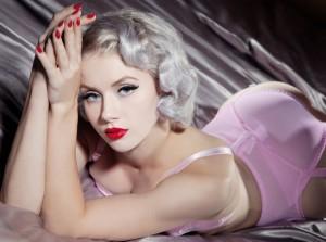 Pin-ups Miss Mosh para Playboy Wild Style Magazine 1700000