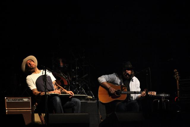 Tom Freund Ben Harper, Photo by Eric Hendrikx