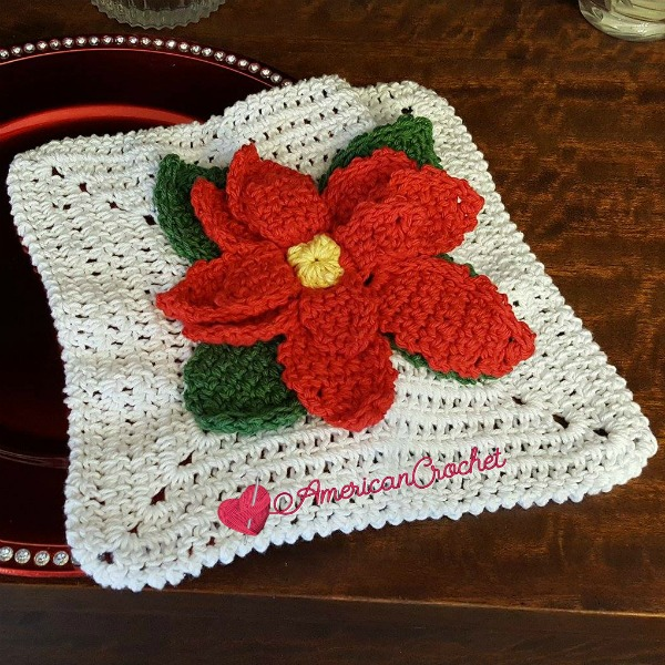 Poinsettia Washcloth | Free Crochet Pattern | American Crochet @americancrochet.com #freecrochetpattern