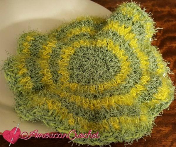 2-N-1 Flower Scrubby | Free Crochet Pattern | American Crochet americancrochet.com #2-N-1FlowerScrubby