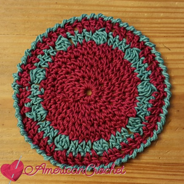 24/7 Holiday Coaster | Crochet Pattern | American Crochet @americancrochet.com #crochetpattern
