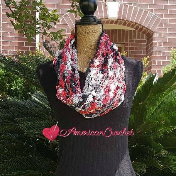 Rose Trellis Cowl | Free Crochet Pattern | American Crochet @americancrochet.com #freecrochetpattern