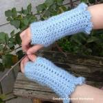 Winter Shells Fingerless Gloves free crochet pattern