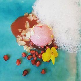 Flower Bomb: Roses, Lavender, Almond