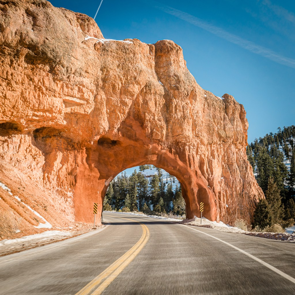 road into bryce canyon national park