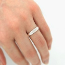 wilshi-secret-proposal-ring-on-hand
