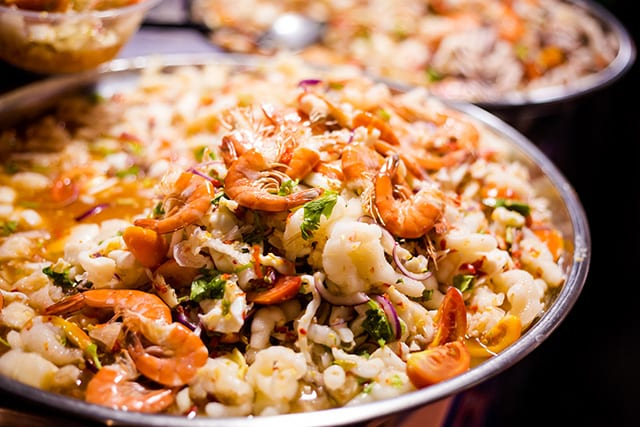 Chicken leg prawn sour salad bowls with seafood