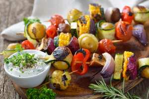 Grilled vegetable skewers with a creamy dip