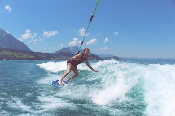 Uno de los deportes acuáticos favoritos de los amantes de Valle de Bravo es el wakeboard.