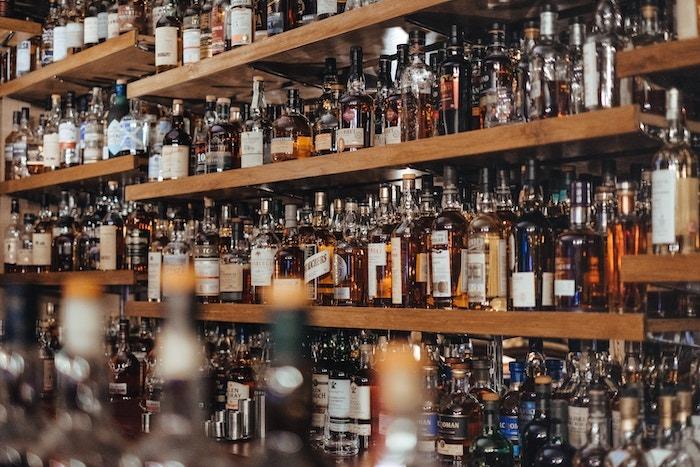 ¿Cuántos carbohidratos tiene cada bebida alcohólica?
