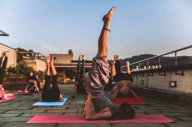 ¿Tienes dolor de espalda? Practicar yoga puede ser la mejor solución