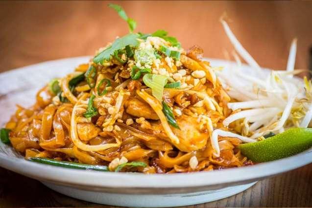 El pad thai contiene ingredientes que lo enriquecen de grasa y sodio.