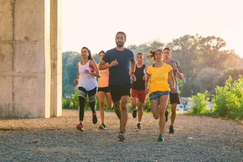Fartlek, trampolín, esferas acuáticas y otras formas divertidas de hacer ejercicio
