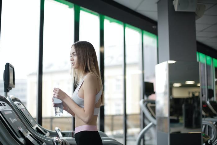 Hidratación: 7 consejos para que jóvenes deportistas mejoren su rendimiento