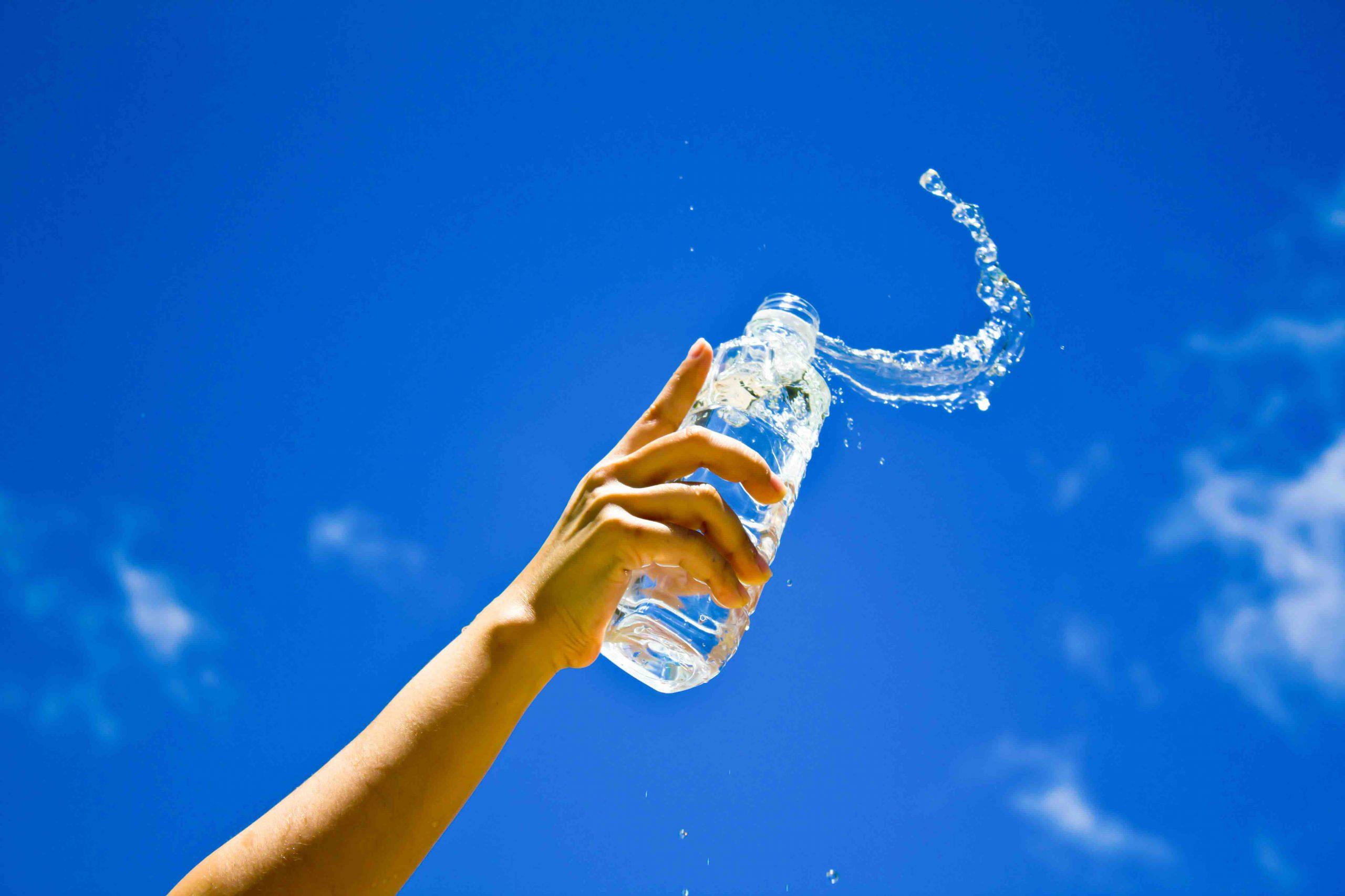 5 mitos sobre el agua alcalina que debes dejar de creer