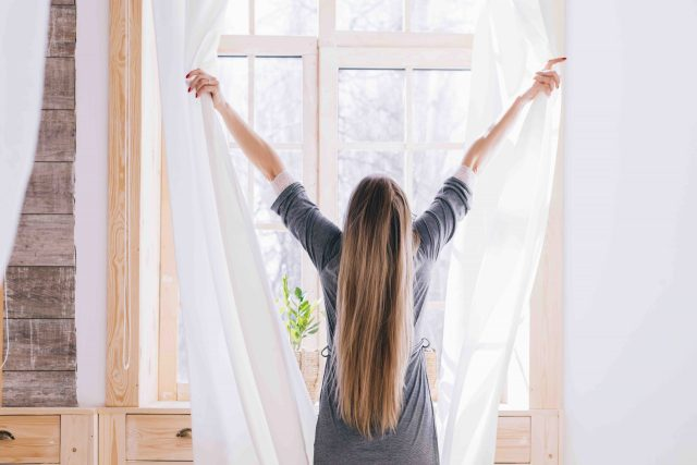 Beneficios de levantarte a las 5 de la mañana para empezar bien el día