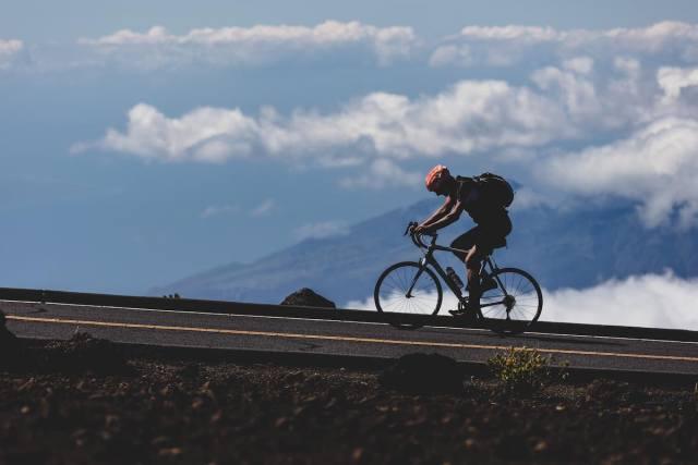 10 accesorios que debieras llevar contigo al salir en la bicicleta