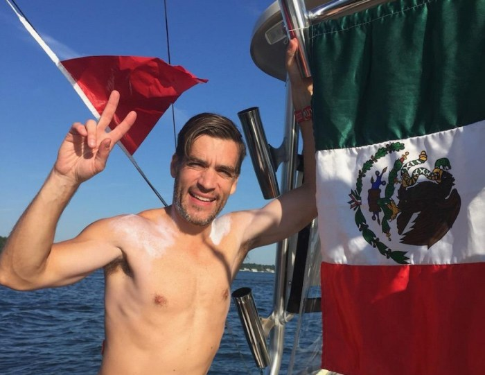 Carlos Acosta: el nadador mexicano que realizará un cruce doble del Canal de la Mancha