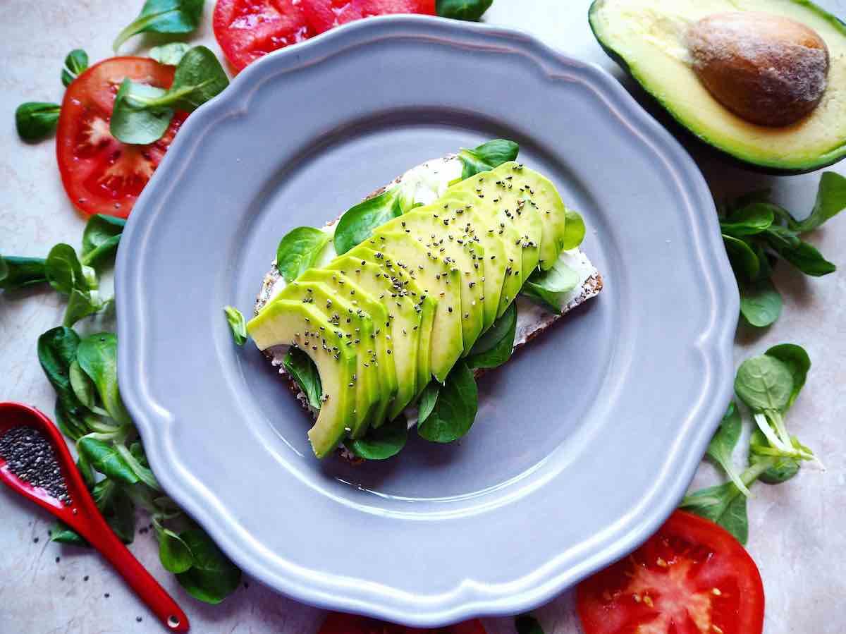 Aguacate: propiedades y beneficios que lo hacen indispensable en tu dieta